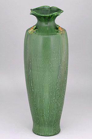 Tall Frog Vase Details